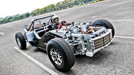 XING Mobility представили способный опередить Tesla Roadster электрокар Miss R